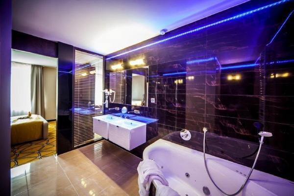 nowoczesna łazienka w hotelowym apartamencie